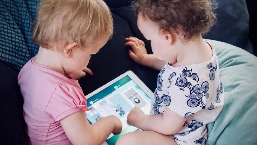 Point 1 image | 5 Essential Tips for Keeping Your Kids Safe Online | KidsBeeTV Blog | safety for kids on the internet | kids safe on the internet | Safety on the internet for kids | kids safety on internet