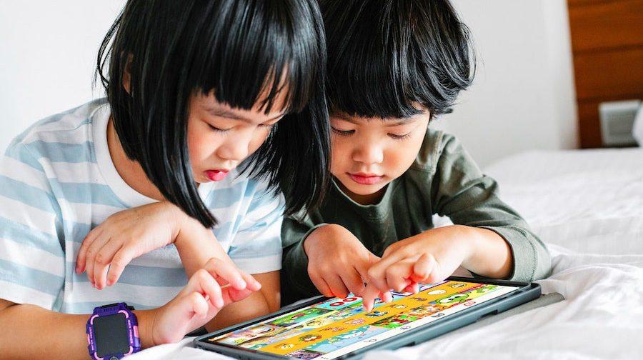 Kids Blog Featured Image | KidsBeeTV Blog | Top activities for kids and Parenting Tips | Kids TV Shows & Nursery Rhymes | KidsBeeTV Safe Kiddies Video App