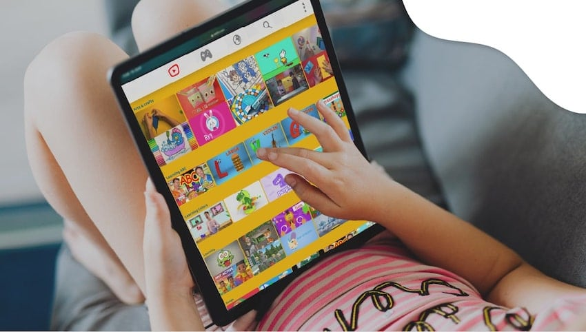 Screen time limits | blog article image | 12 Must-Read Return to School Tips for Preschool Parents | KidsBeeTV | return to school | go back to school | returning to school | back to schools | kids going back to school